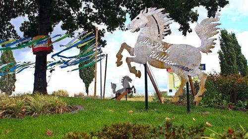 Wiese mit Pferde Kunstwerken